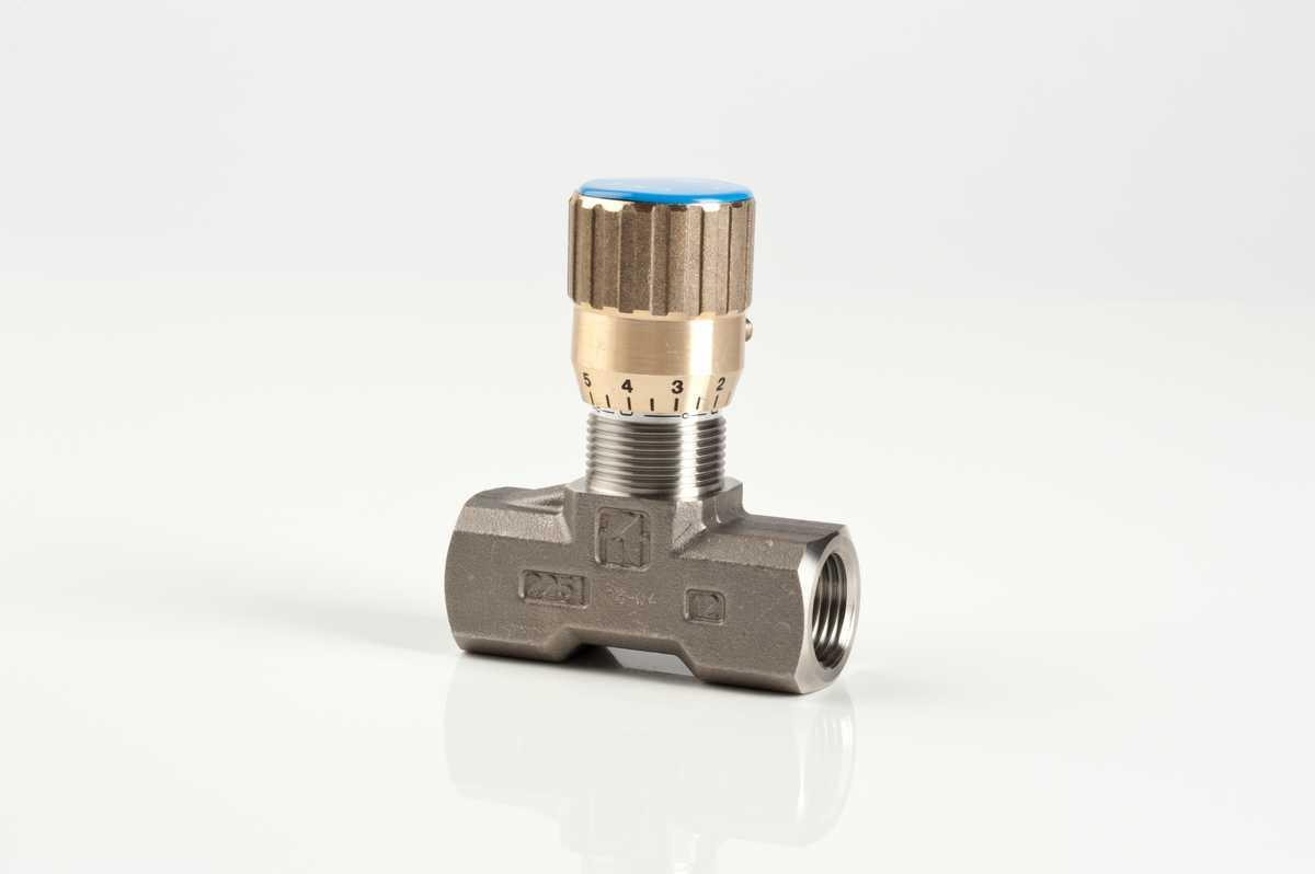 In line double-acting flow control valves