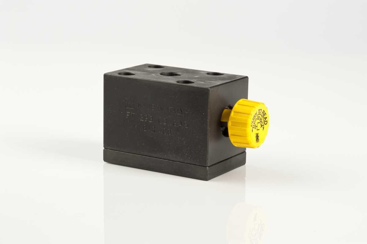 Esclusori per manometro a 3 vie con azionamento a pulsante e montaggio a piastra